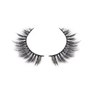 A pair of wand lashes